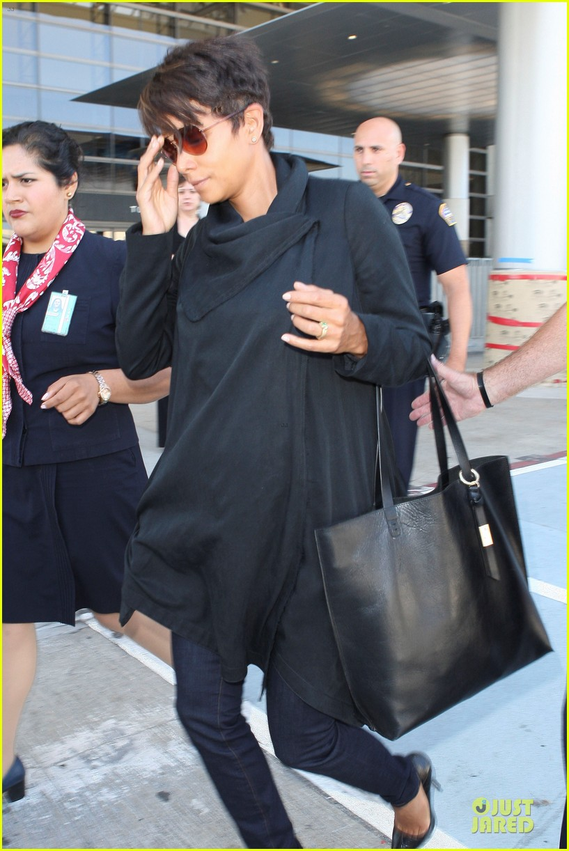 halle berry lax arrival after champs elysees film festival 112893416