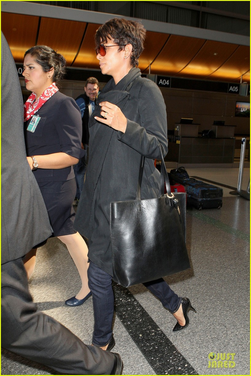 halle berry lax arrival after champs elysees film festival 192893424