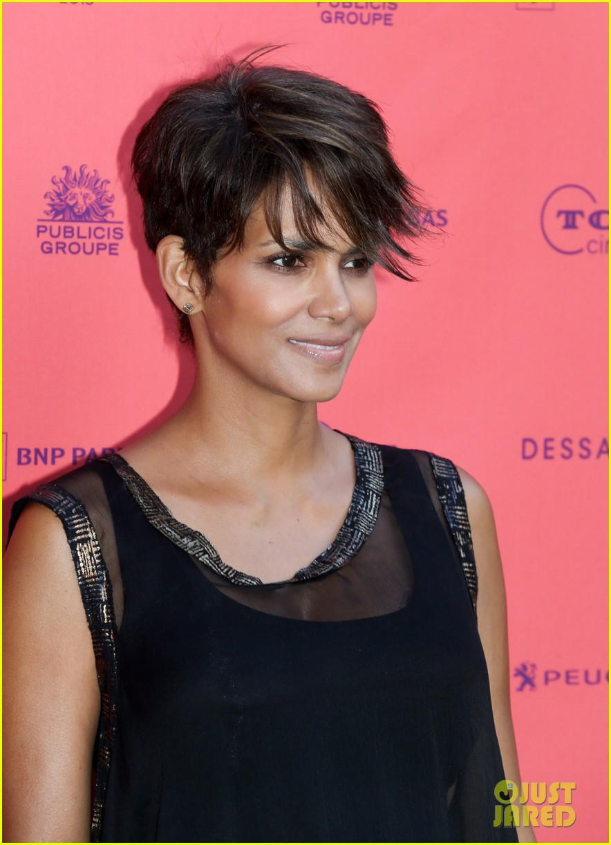 halle berry olivier martinez toiles enchantees champs elysees event 062890691