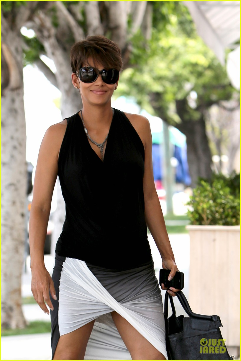 halle berry twisted legs at fig olive 022901357