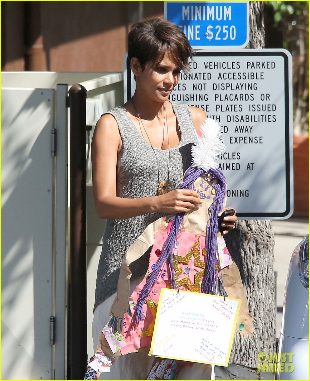 halle berry nahla is wishing for her new baby brother 04