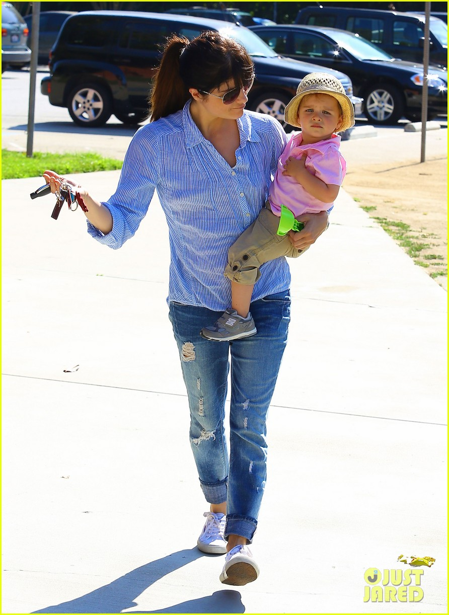 selma blair steps out after anger management firing rumors 102893252