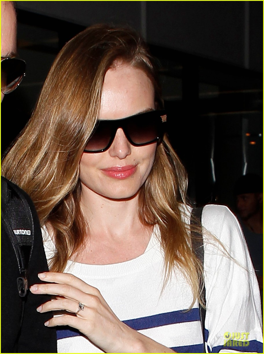 kate bosworth michael polish hold hands after lax landing 052890259