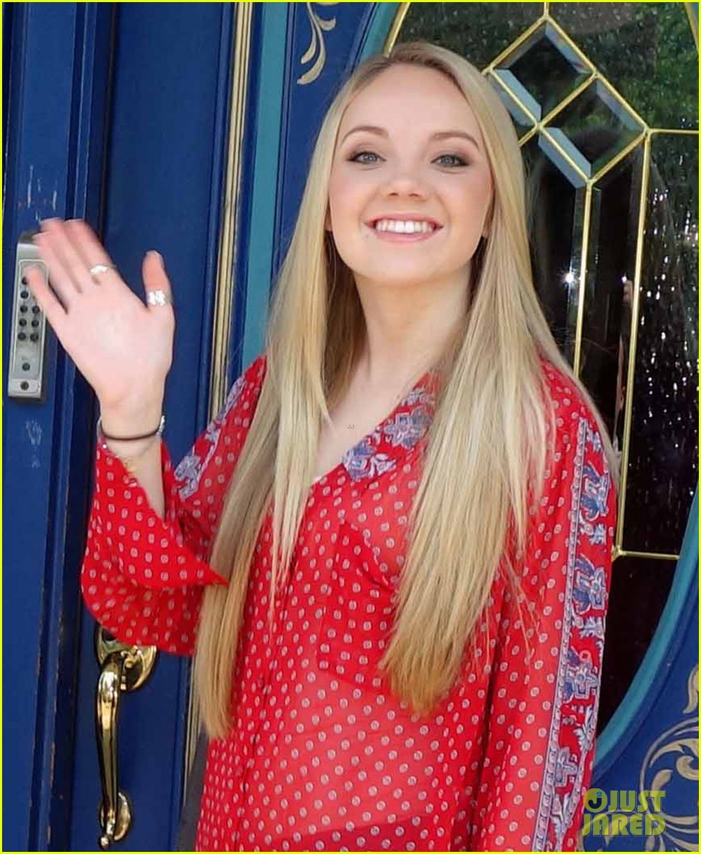 danielle bradbery starts recording in nashville exclusive 022897661