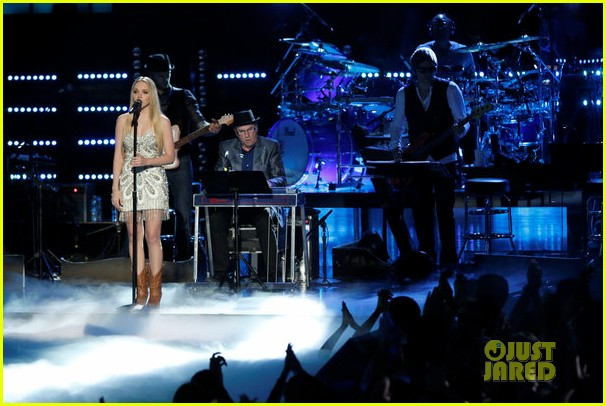 danielle bradbery the voice finale performance video 102893364