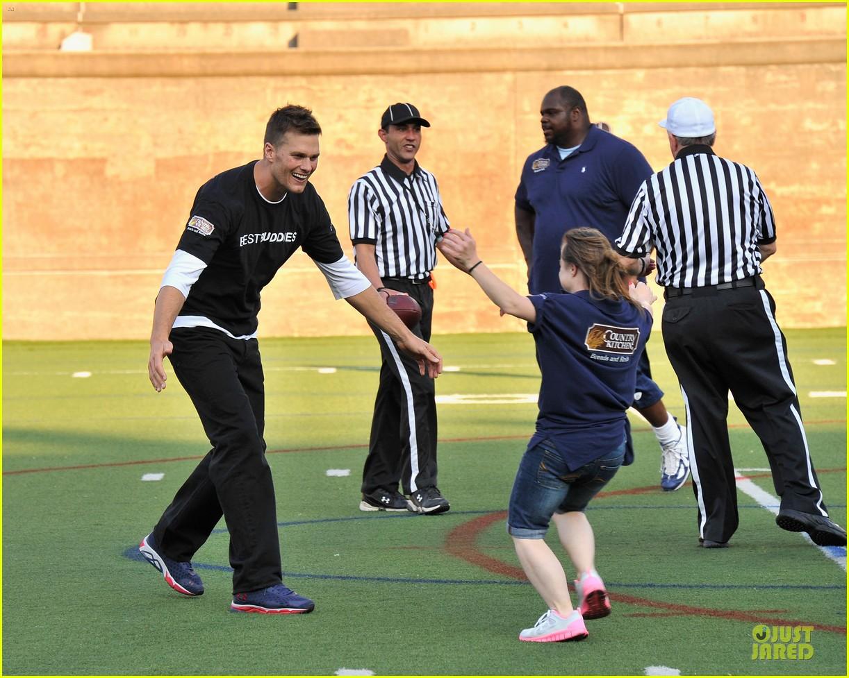 Tom Brady Supports Best Buddies!: Photo 2881848   Tom Brady