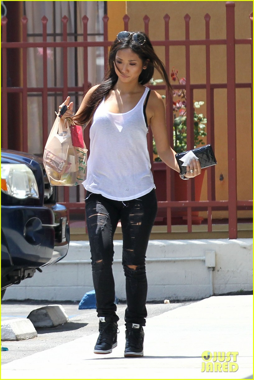 brenda song trace cyrus engagement back on 032892397