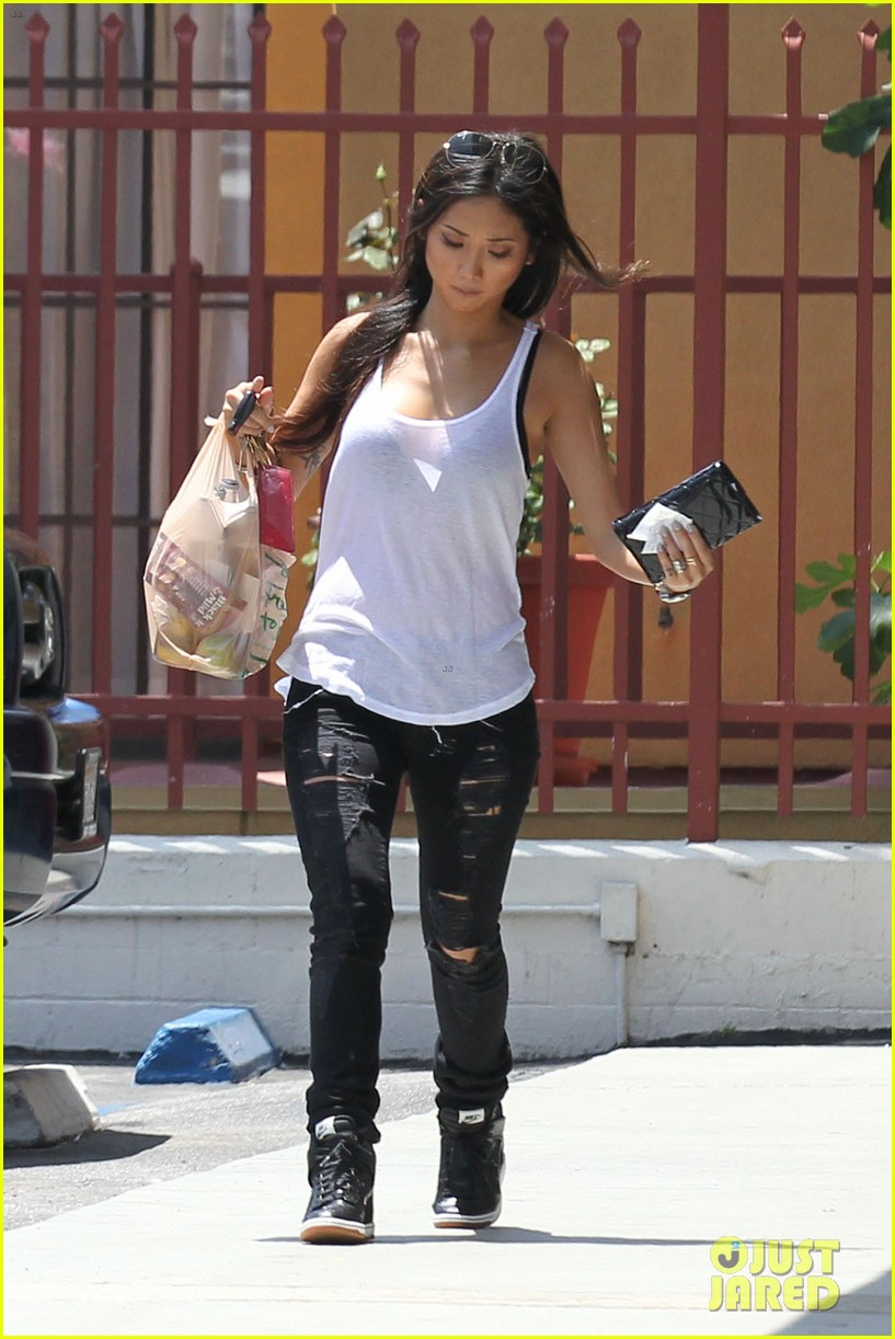brenda song trace cyrus engagement back on 082892402