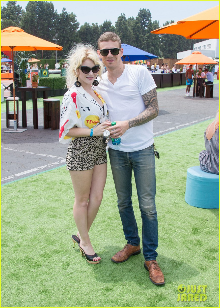 chloe bridges claudia lee just jared summer kick off party mcdonalds 102883565