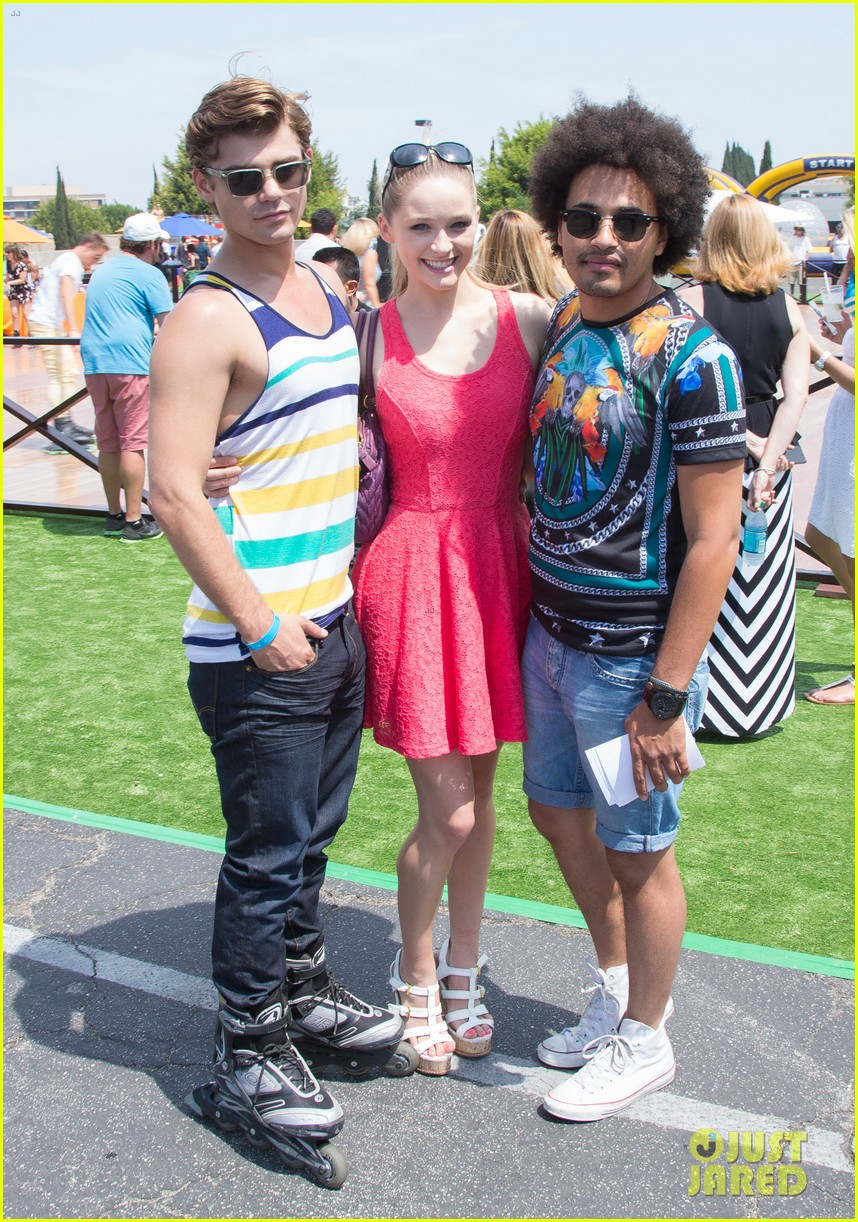 chloe bridges claudia lee just jared summer kick off party mcdonalds 372883592