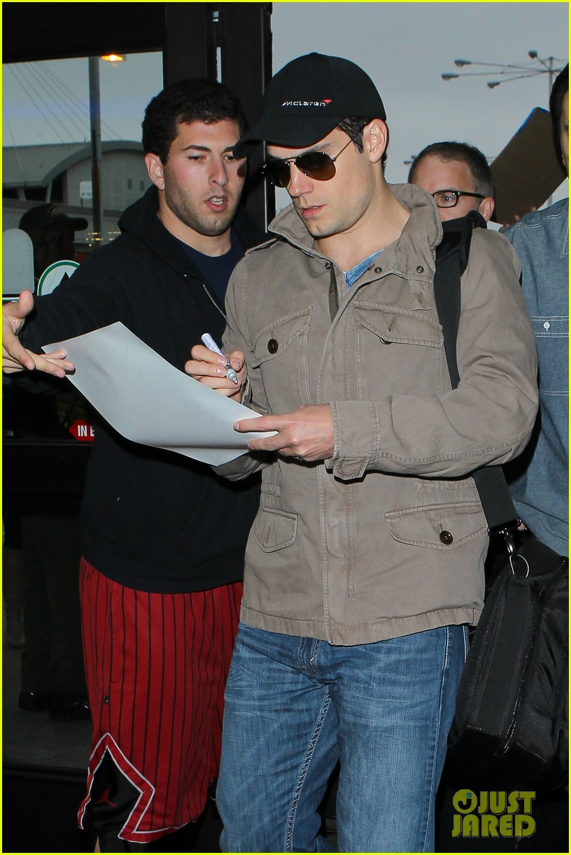 henry cavill played it cool when cast as superman 122887812