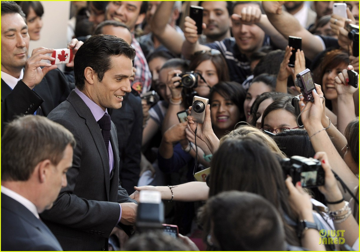 henry cavill russell crowe man of steel madrid premiere 062893059