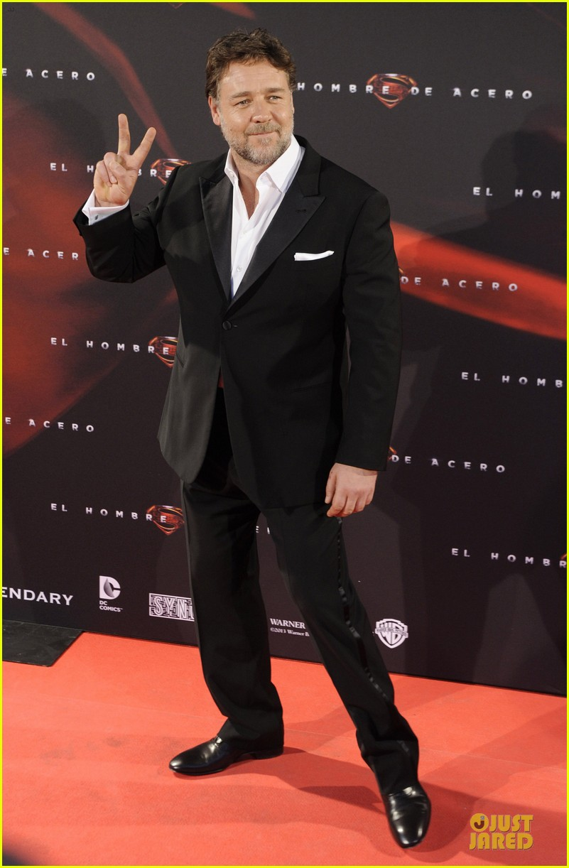 henry cavill russell crowe man of steel madrid premiere 222893075
