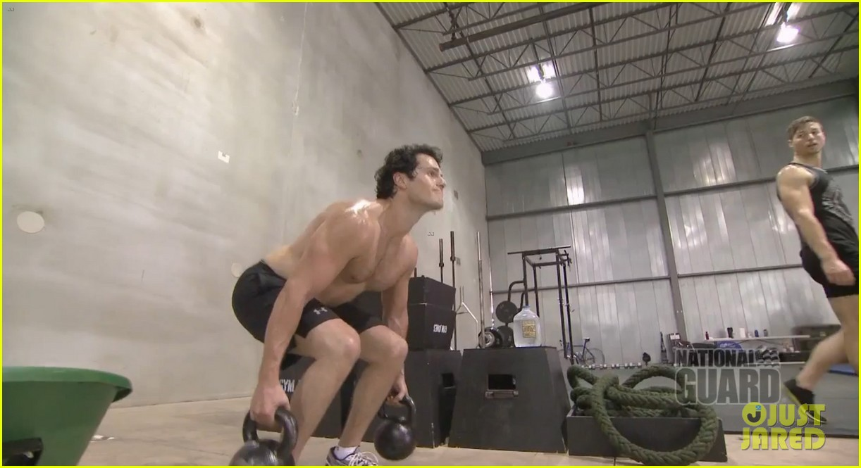 henry cavill shirtless man of steel workout video 032892915