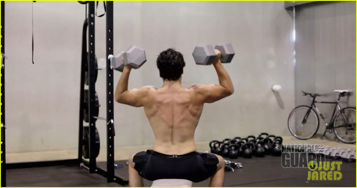 henry cavill shirtless man of steel workout video 042892916