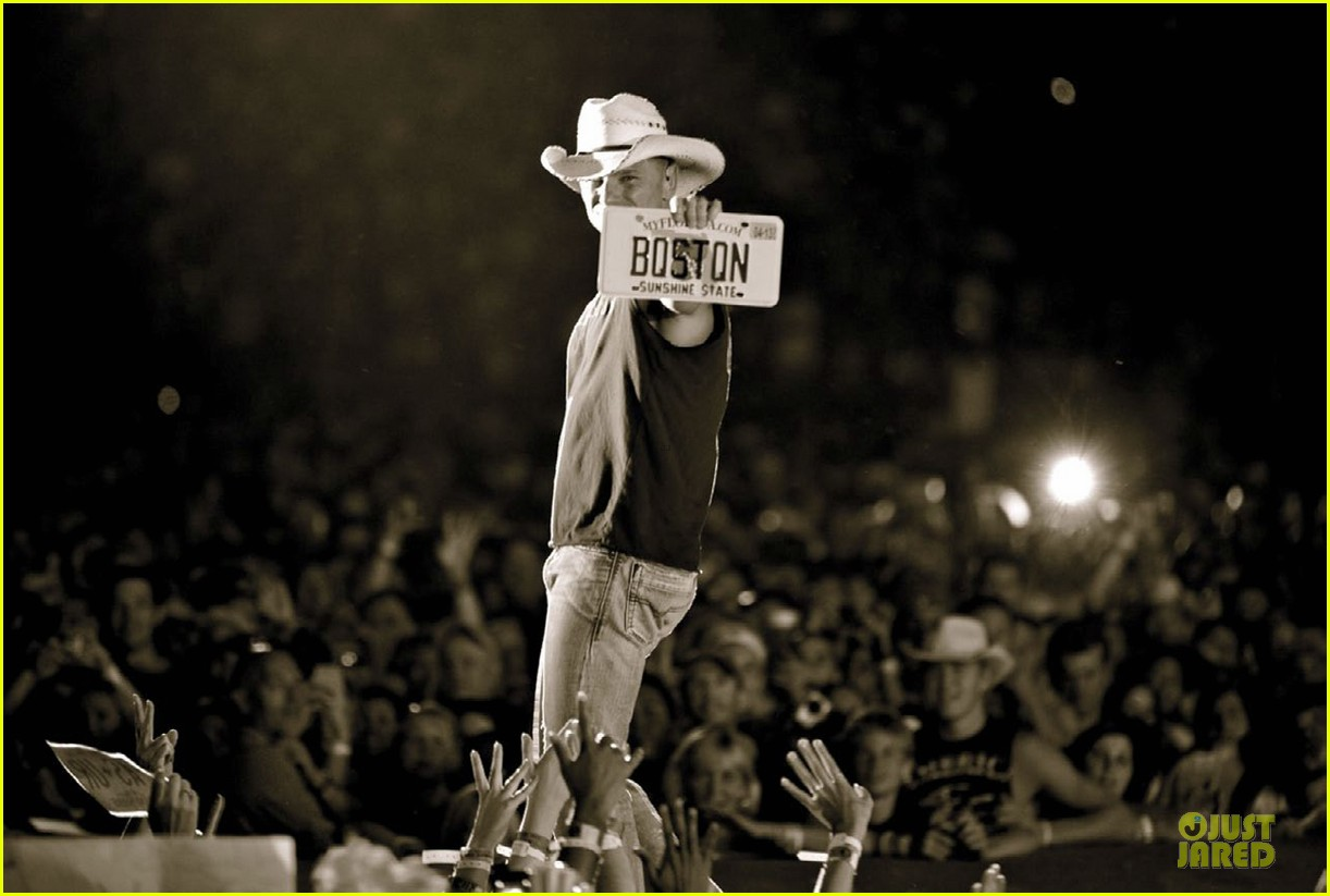 kenny chesney covers boston common magazine summer issue 042898035