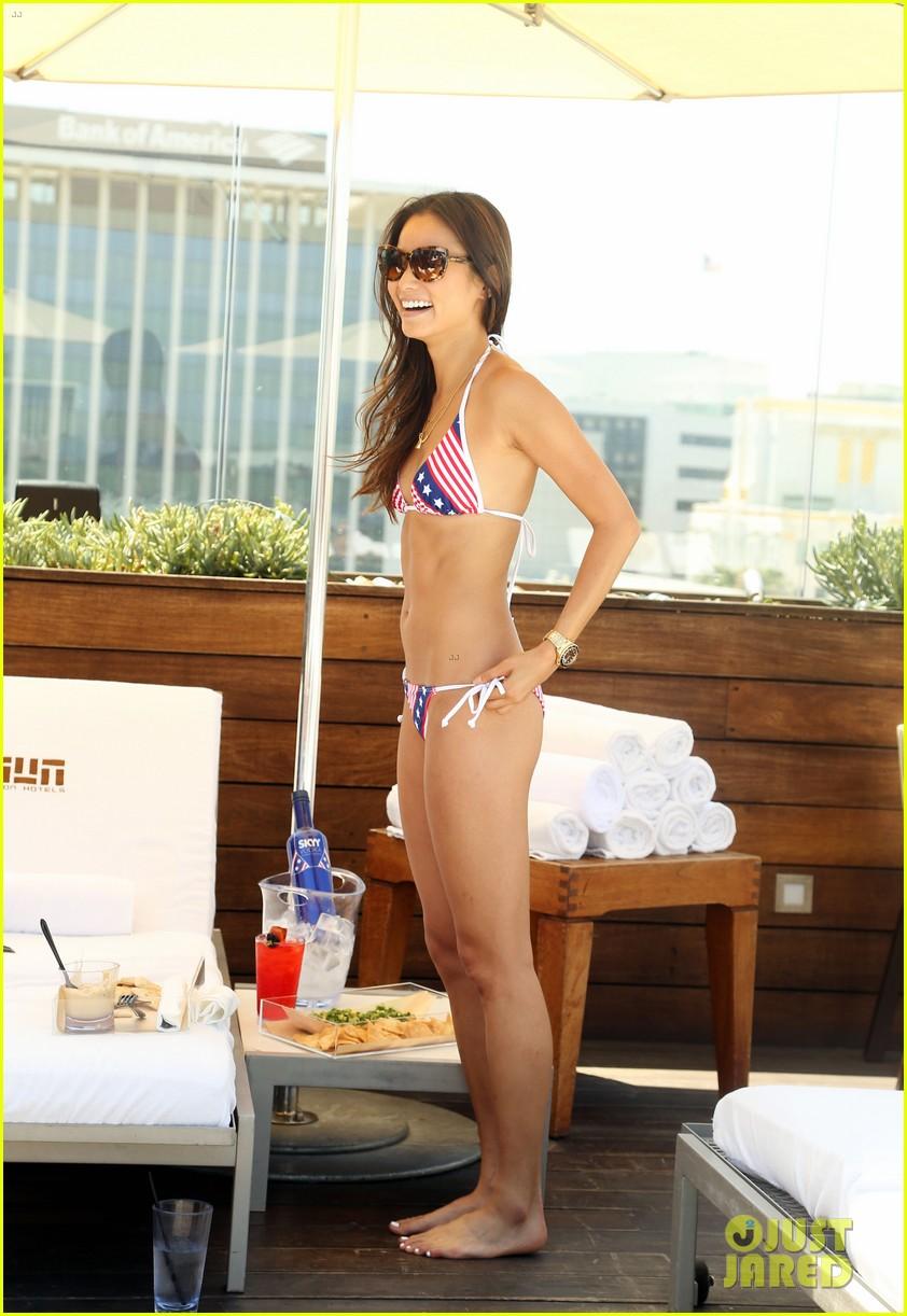 jamie chung poolside bikini babe 08