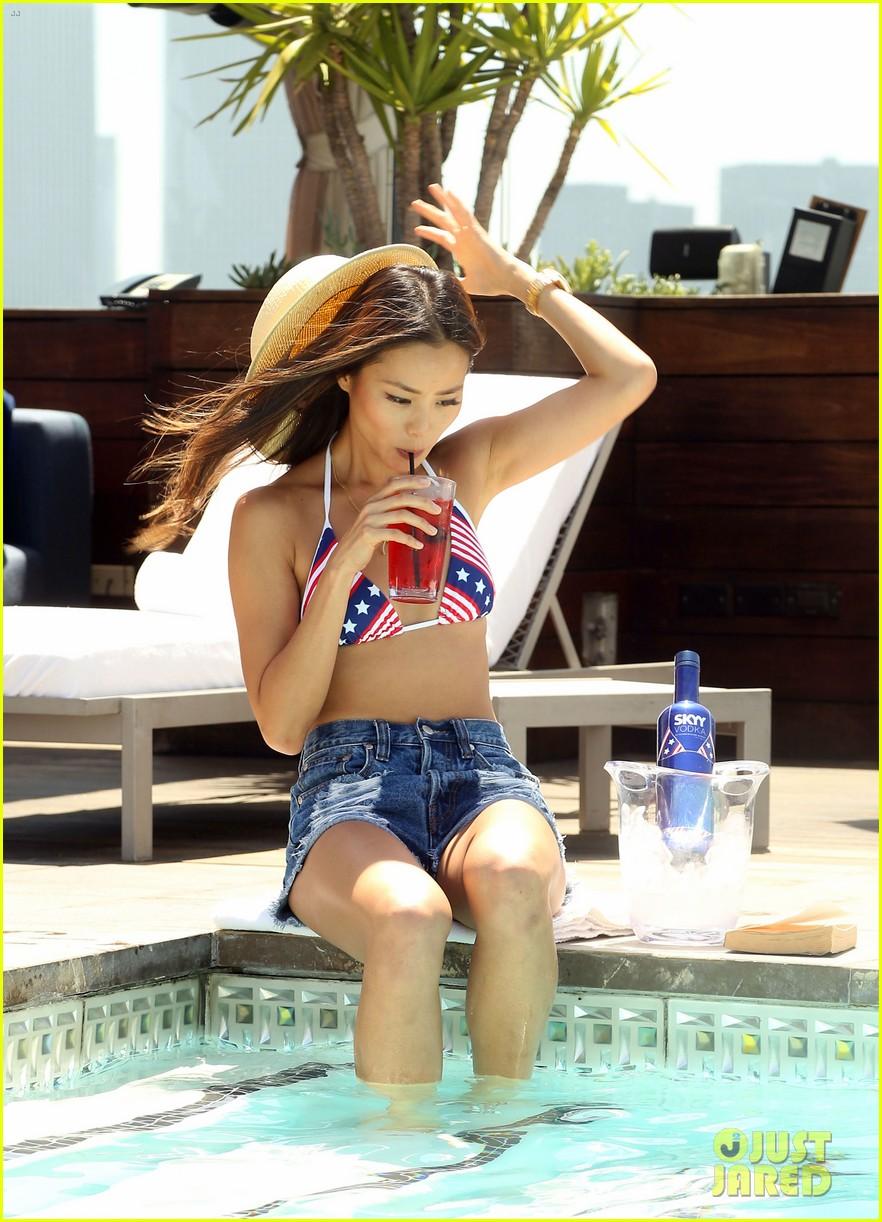 jamie chung poolside bikini babe 142894251