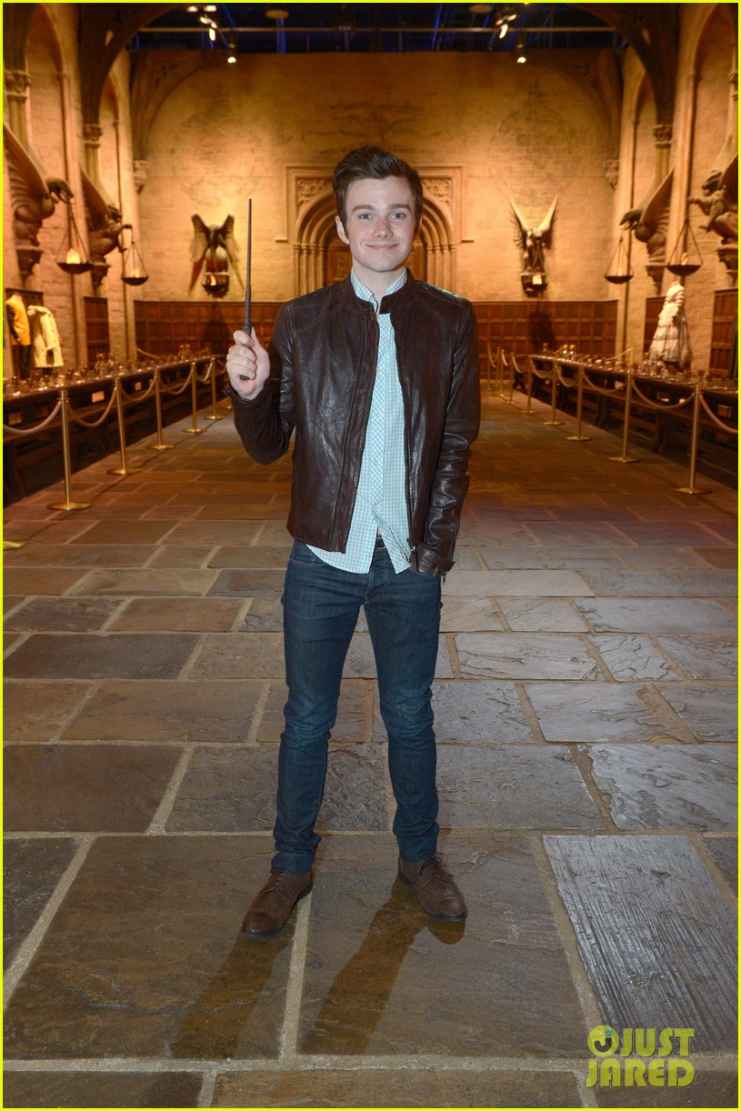 chris colfer harry potter studio tour in london 012895088