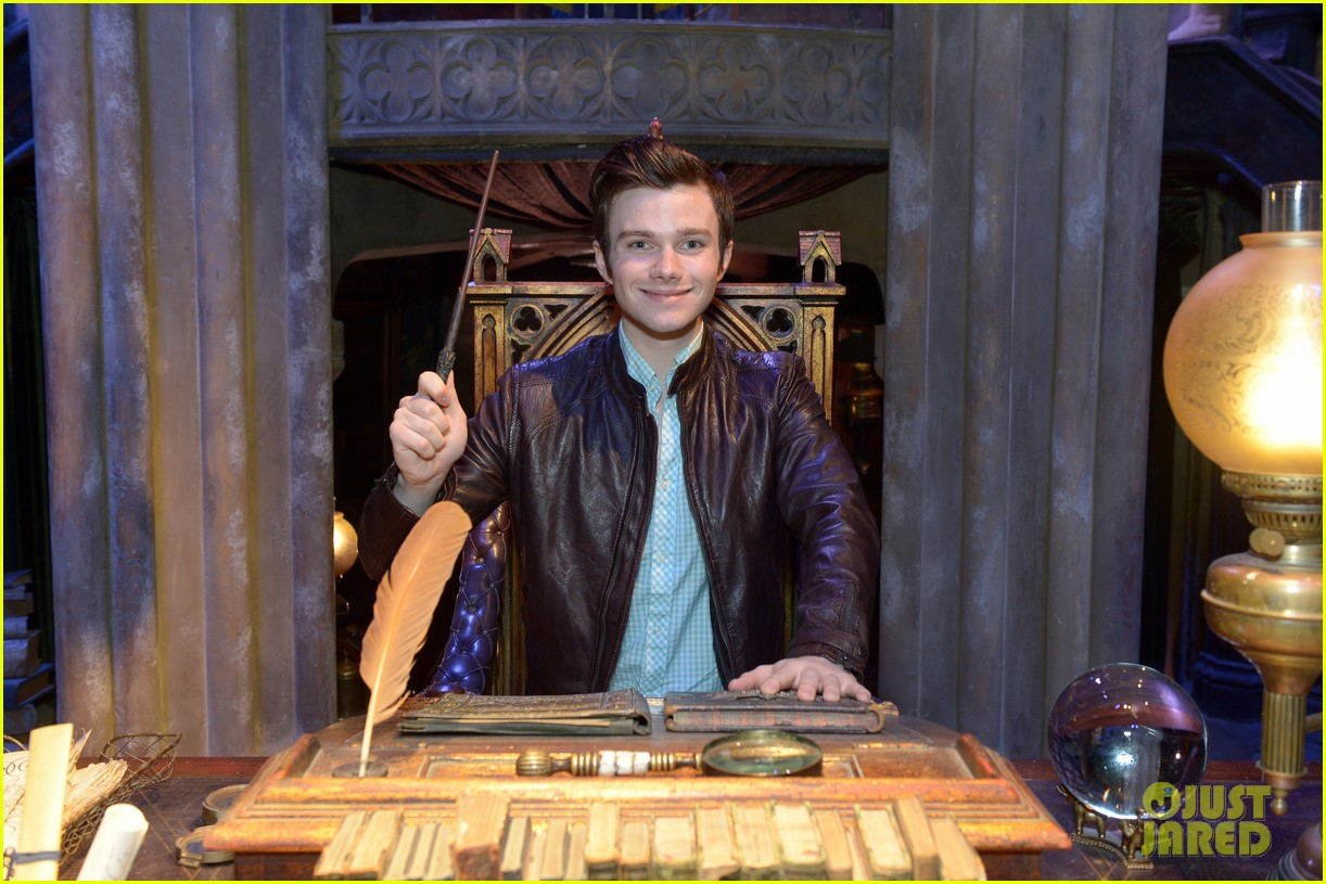 chris colfer harry potter studio tour in london 02