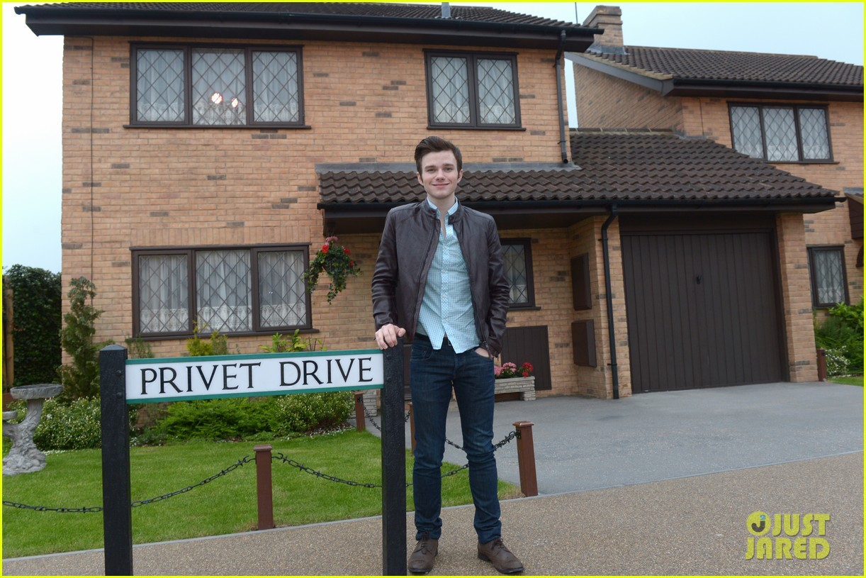 chris colfer harry potter studio tour in london 052895092