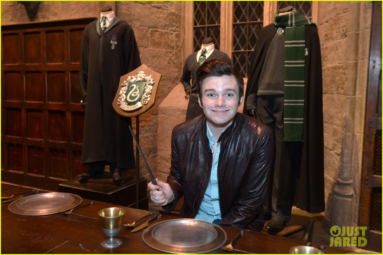 chris colfer harry potter studio tour in london 072895094