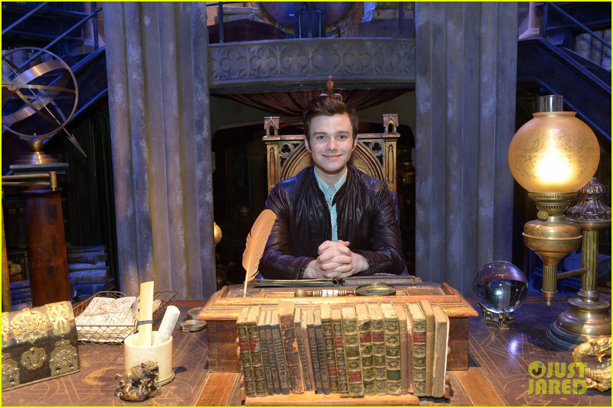 chris colfer harry potter studio tour in london 182895105
