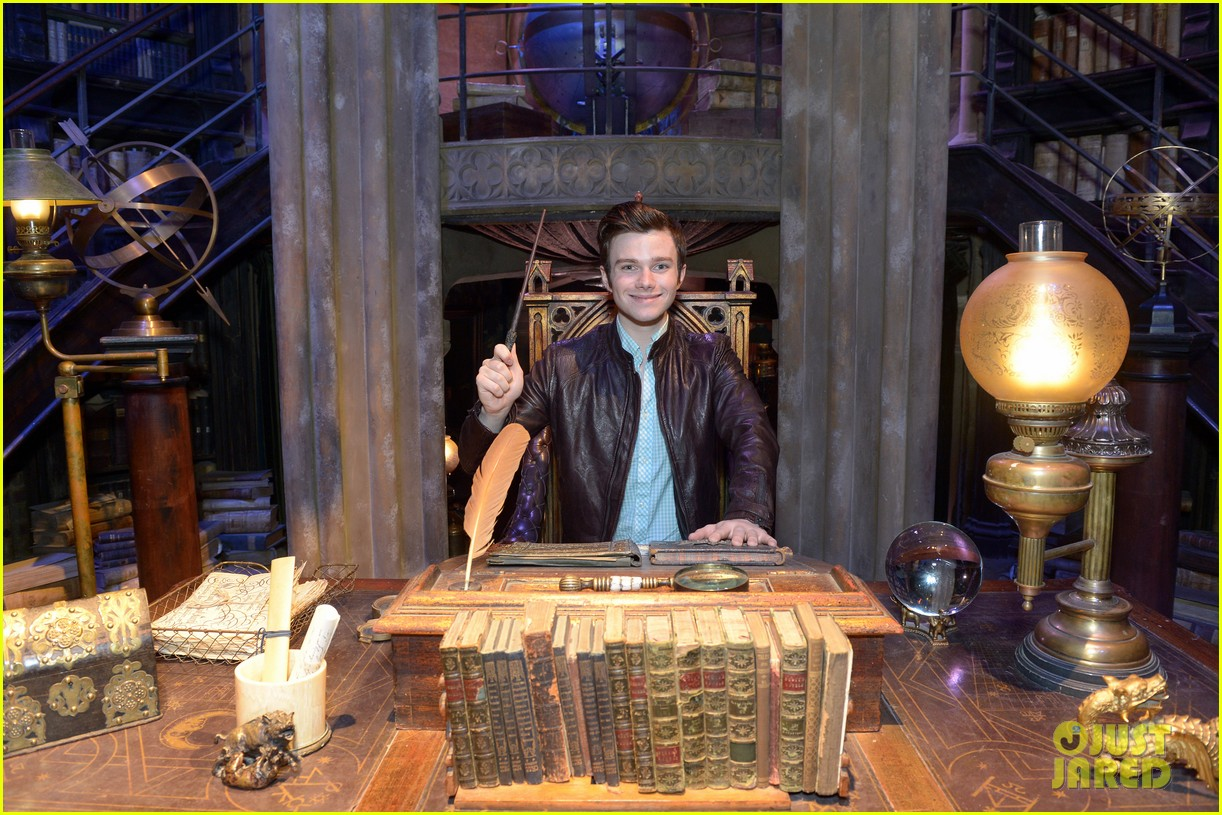 chris colfer harry potter studio tour in london 192895106