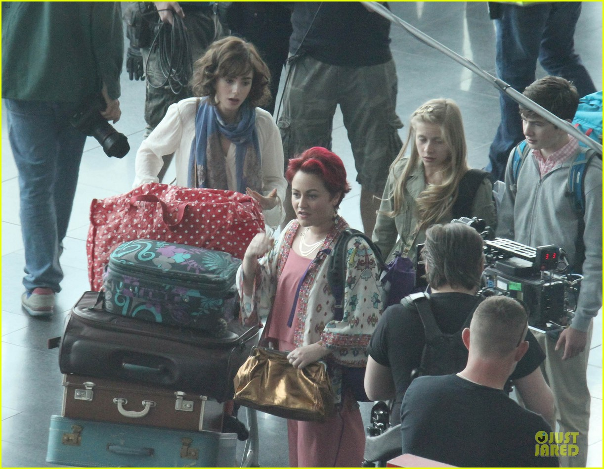 lily collins love rosie airport scene with jaime winstone 092899024