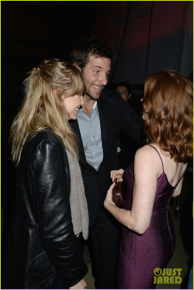 bradley cooper brings suki waterhouse to guys choice awards 022887307