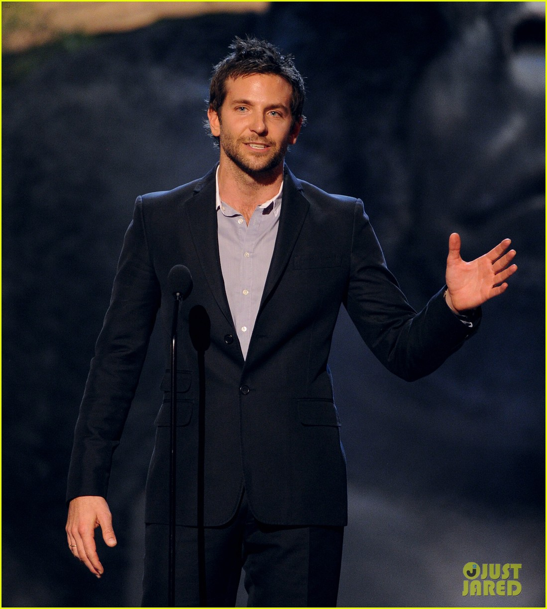 bradley cooper brings suki waterhouse to guys choice awards 182887323
