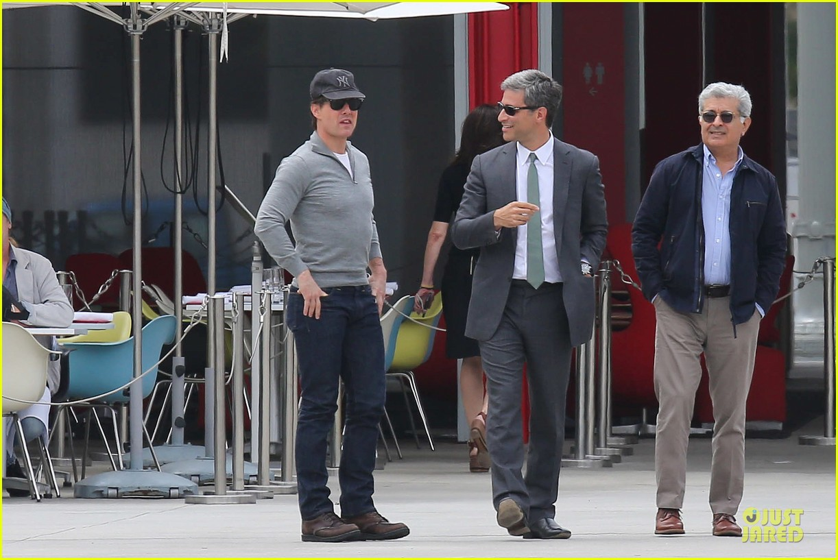 tom cruise lacma business meeting 152883917
