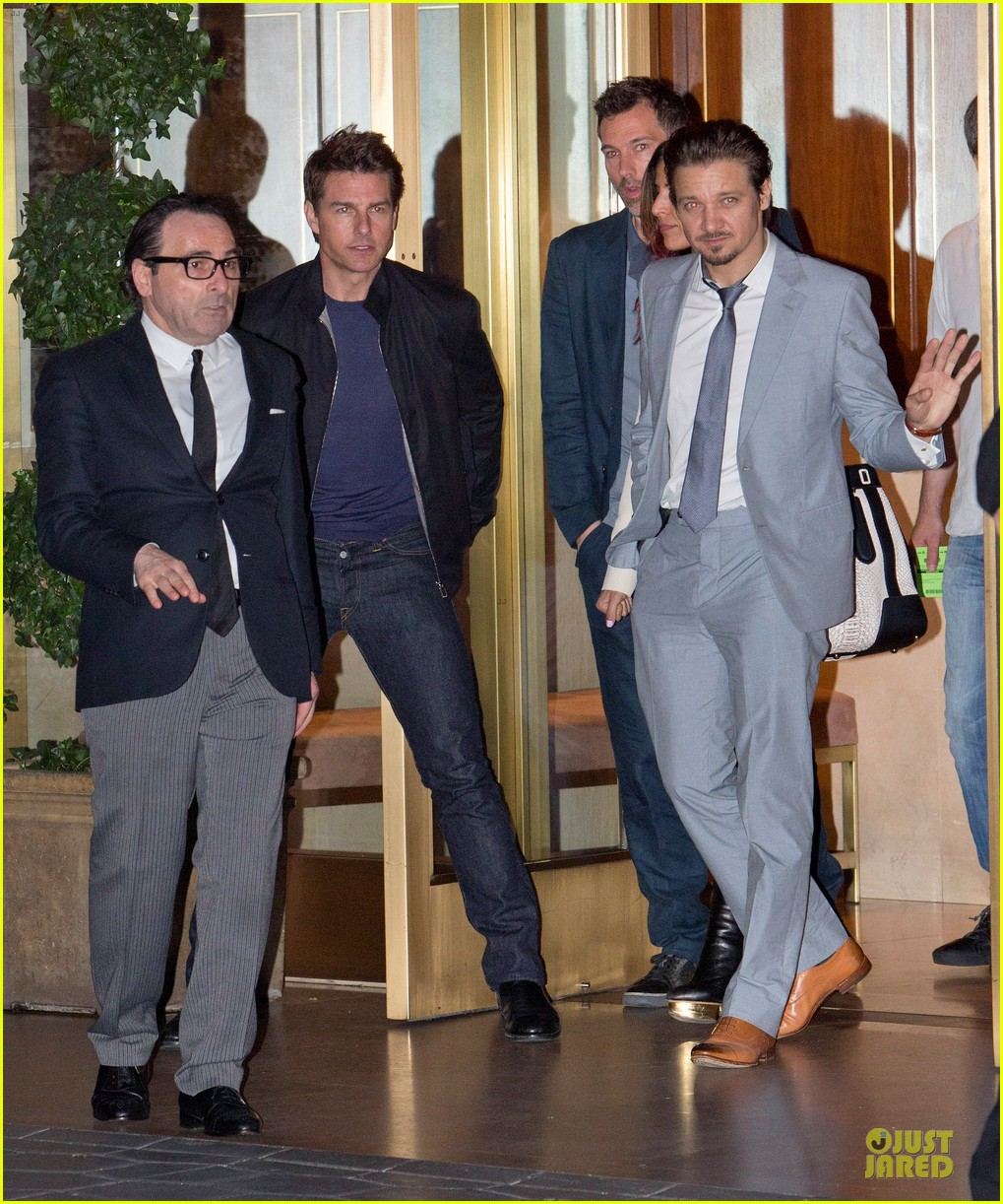 tom cruise jeremy renner sunset towers hotel dinner duo 012891830