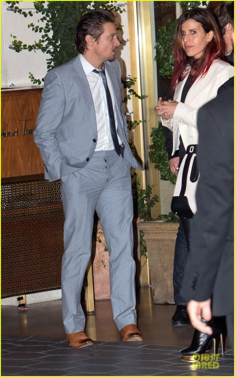 tom cruise jeremy renner sunset towers hotel dinner duo 062891835