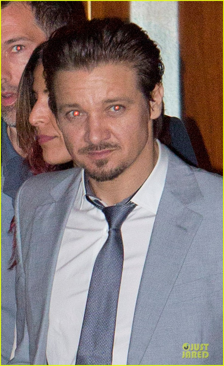 tom cruise jeremy renner sunset towers hotel dinner duo 072891836