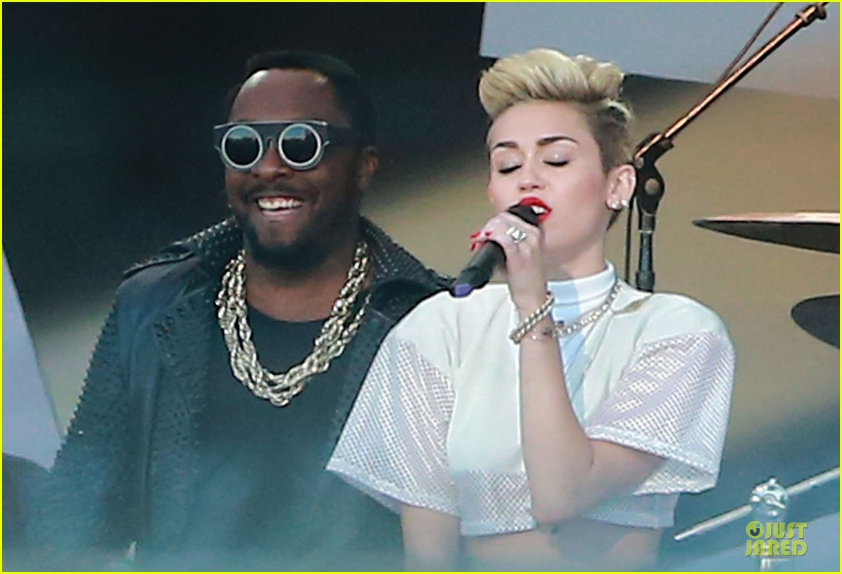 miley cyrus jimmy kimmel live performance watch now 212898637
