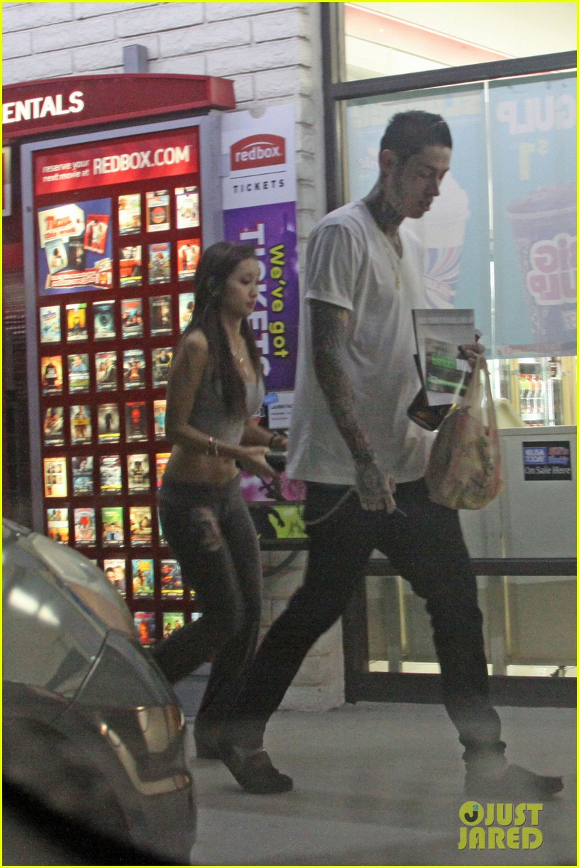 trace cyrus brenda song stop for snacks at 7 11 05