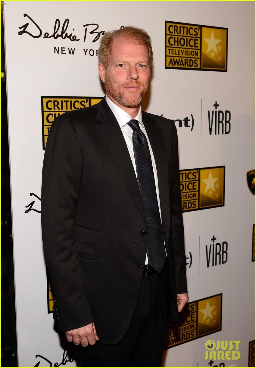 hugh dancy sutton foster critics choice tv awards 2013 062888826