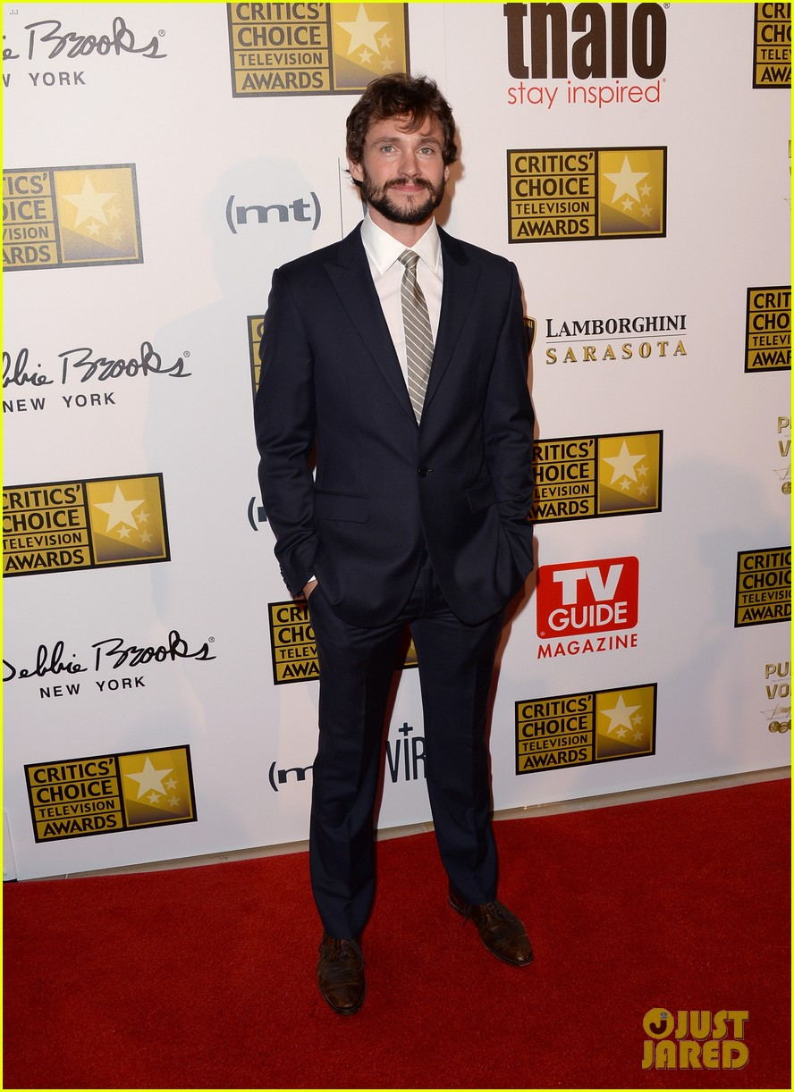 hugh dancy sutton foster critics choice tv awards 2013 092888829