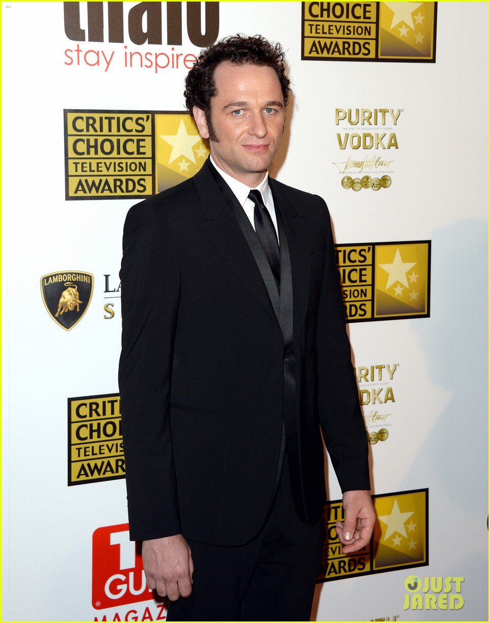 hugh dancy sutton foster critics choice tv awards 2013 15