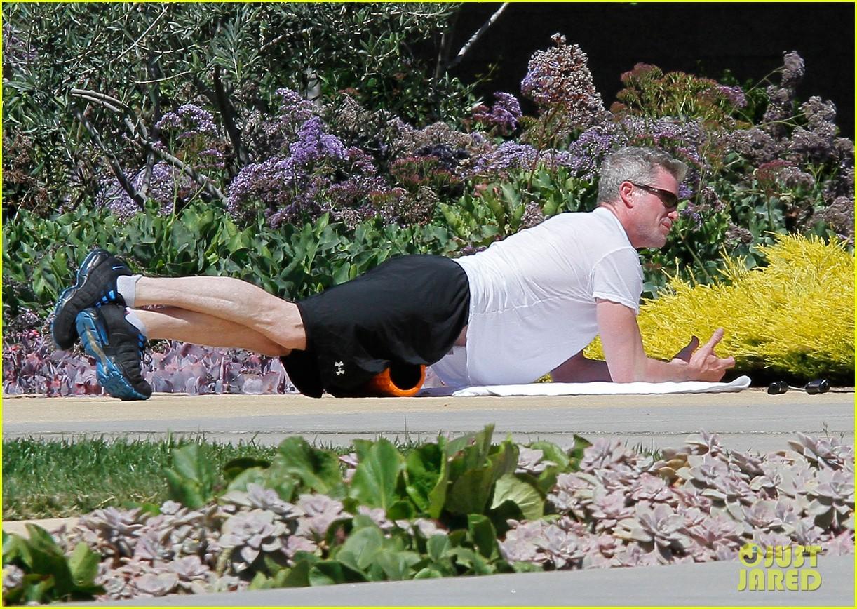 eric dane shirtless workout at coldwater canyon park 062895356