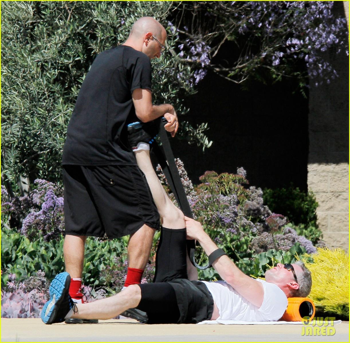 eric dane shirtless workout at coldwater canyon park 102895360