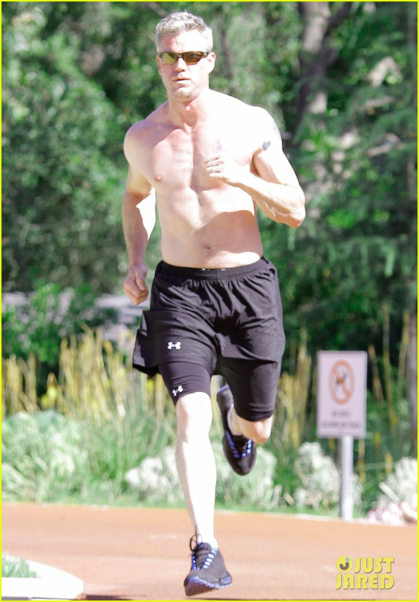 eric dane shirtless workout at coldwater canyon park 14