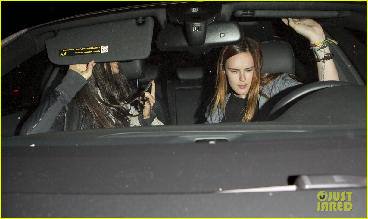 demi moore rumer willis sneak out of sayers club 04