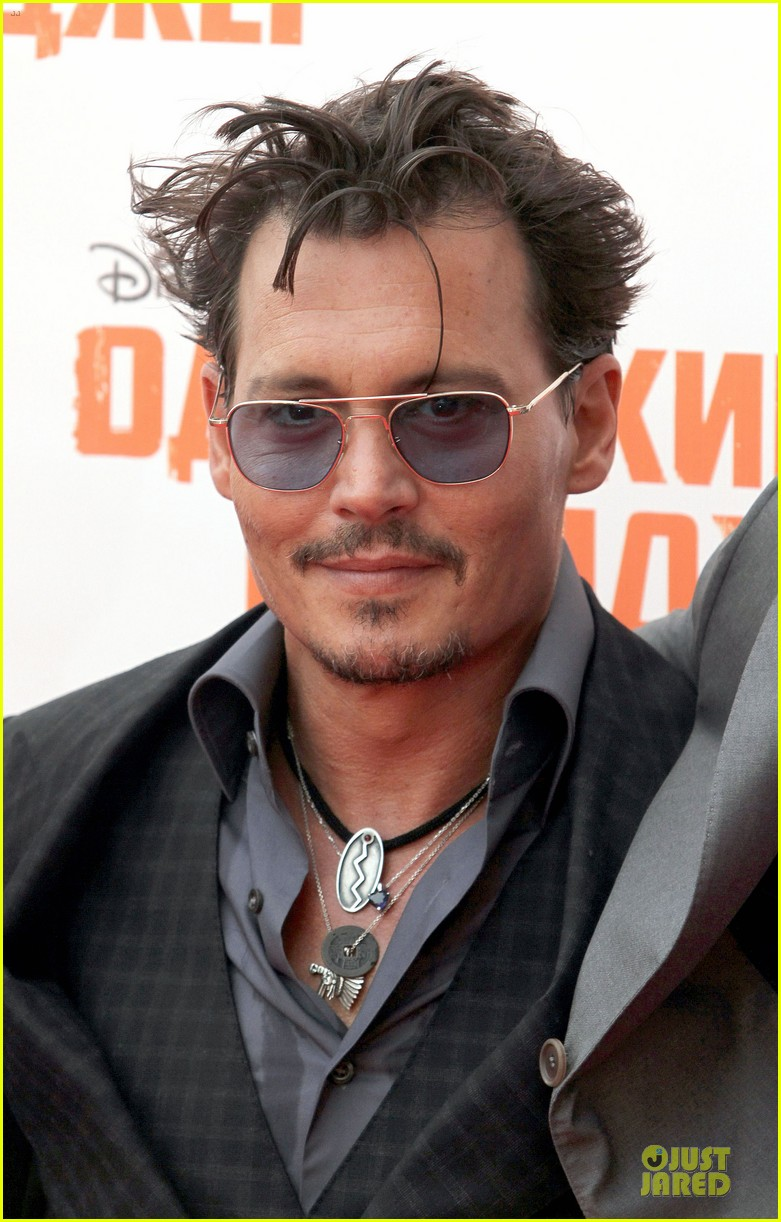 johnny depp armie hammer lone ranger moscow premiere 022900073