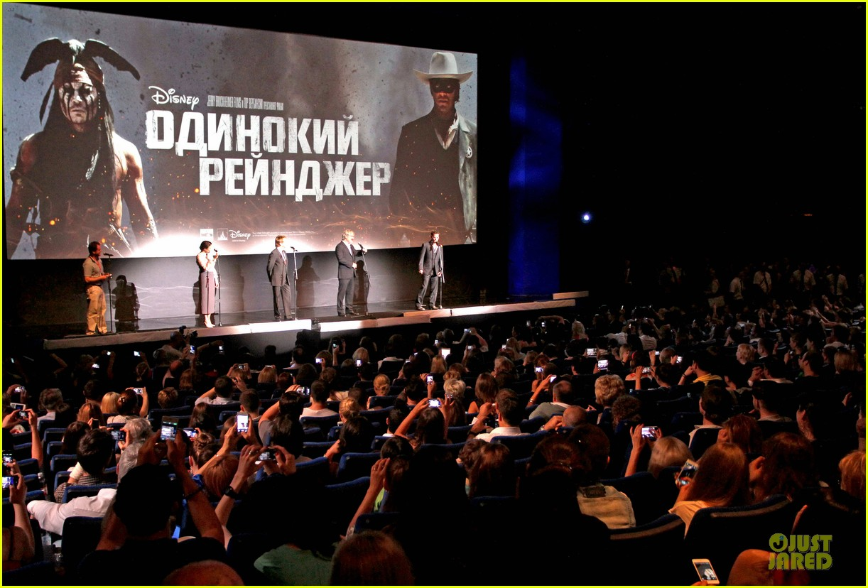 johnny depp armie hammer lone ranger moscow premiere 062900077