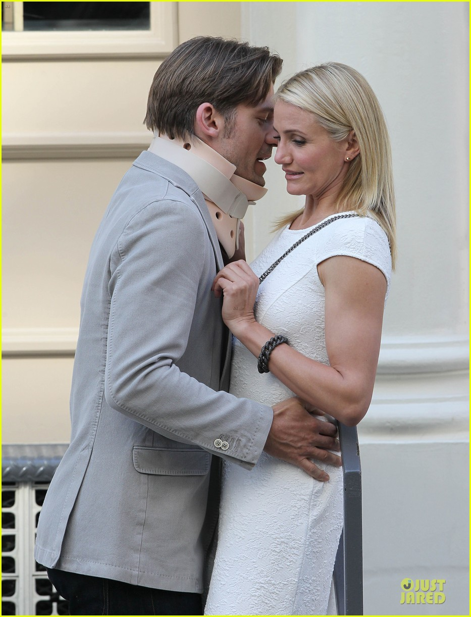 cameron diaz nikolaj coster waldau neck brace on other woman set 102895991