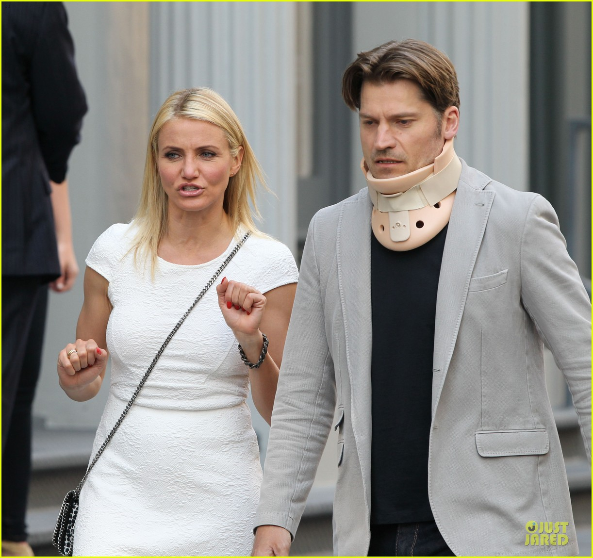 cameron diaz nikolaj coster waldau neck brace on other woman set 22