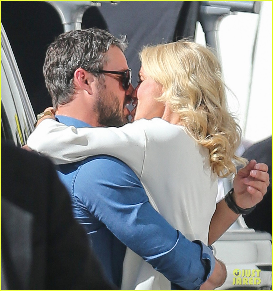 cameron diaz taylor kinney kiss for other woman 022884959