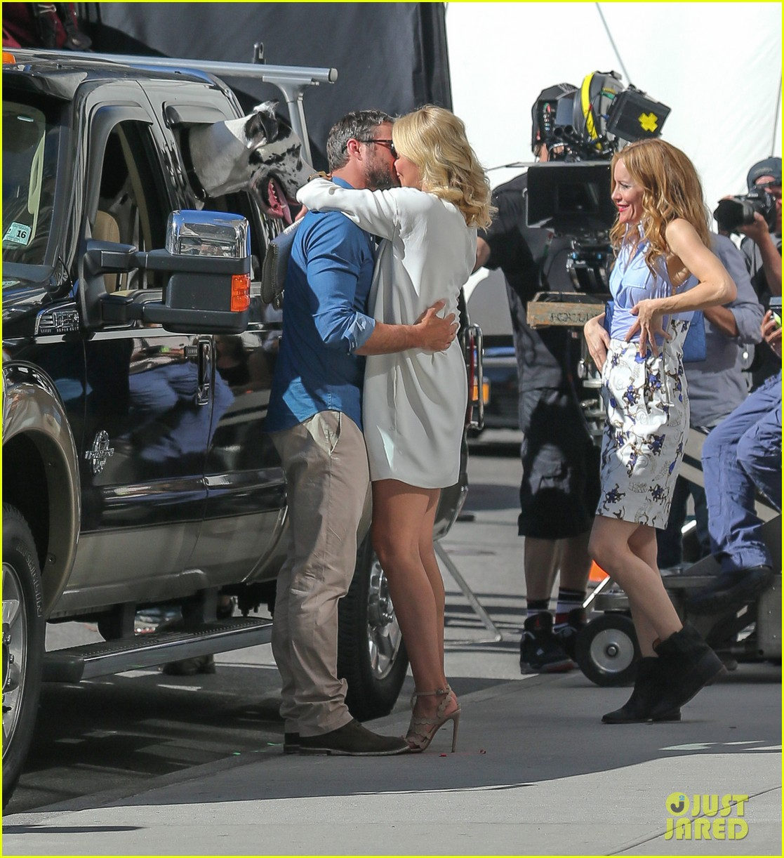 cameron diaz taylor kinney kiss for other woman 062884963